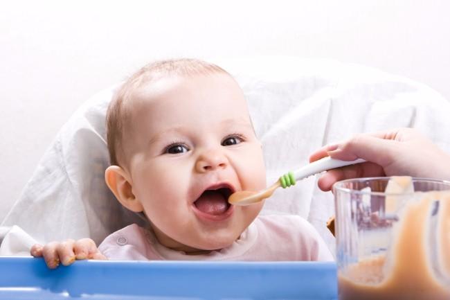Домашно-приготвена-vs-готова-бебешка-храна